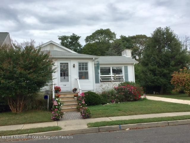 Single Family Home for Sale at 726 21st Avenue 726 21st Avenue Lake Como, New Jersey 07719 United States