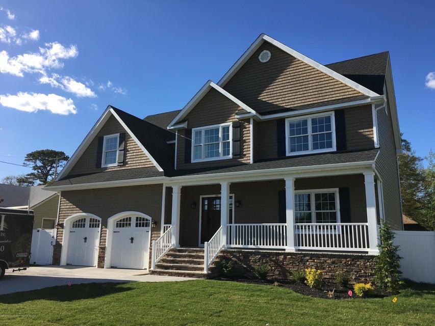 獨棟家庭住宅 為 出售 在 2303 Allen Street 2303 Allen Street Point Pleasant, 新澤西州 08742 美國