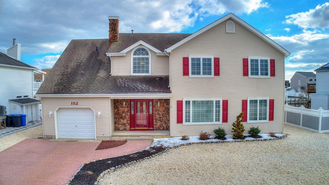 Casa para uma família para Venda às 152 Peter Road 152 Peter Road Manahawkin, Nova Jersey 08050 Estados Unidos