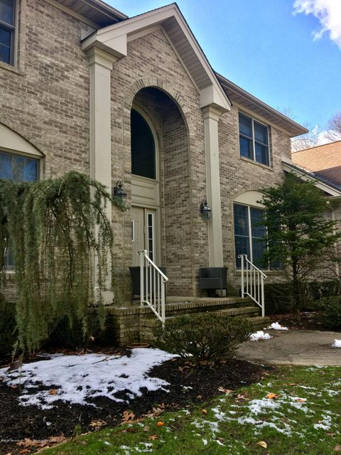 Single Family Home for Rent at 21 Old Queens Court 21 Old Queens Court Eatontown, New Jersey 07724 United States