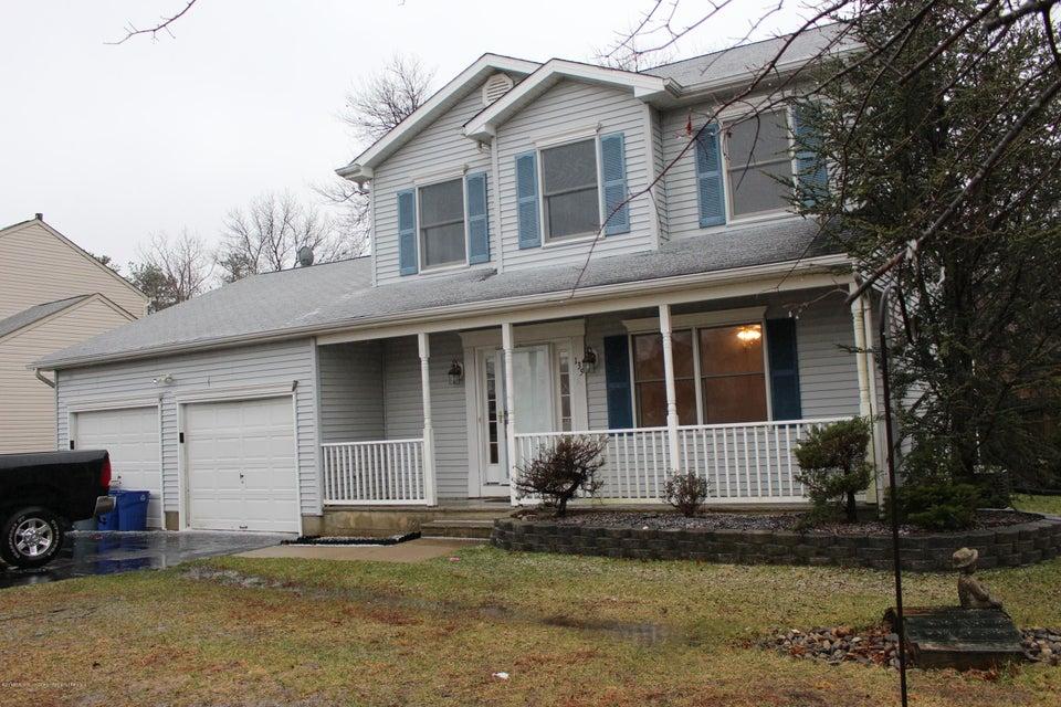Casa Unifamiliar por un Alquiler en 135 Georgetown Boulevard 135 Georgetown Boulevard Barnegat, Nueva Jersey 08005 Estados Unidos