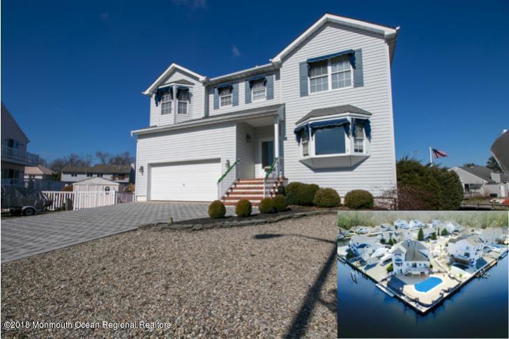 Casa Unifamiliar por un Venta en 20 Starboard Court 20 Starboard Court Bayville, Nueva Jersey 08721 Estados Unidos