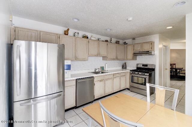 Additional photo for property listing at 12 Mallard Lane 12 Mallard Lane Marlboro, 뉴저지 07746 미국
