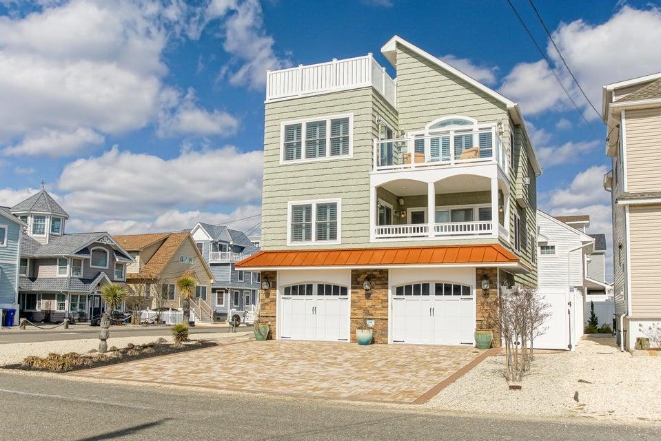 Tek Ailelik Ev için Satış at 2 Nichols Avenue 2 Nichols Avenue Ortley Beach, New Jersey 08751 Amerika Birleşik Devletleri