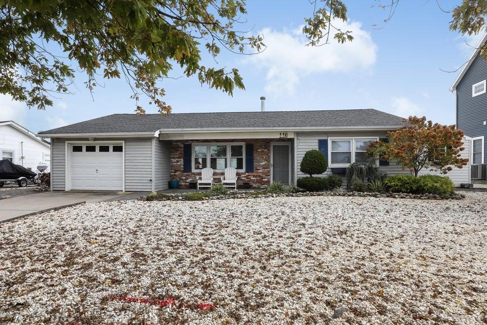 Casa Unifamiliar por un Alquiler en 110 Harborage Place 110 Harborage Place Barnegat, Nueva Jersey 08005 Estados Unidos