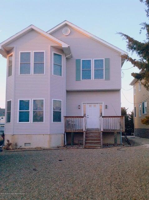 独户住宅 为 销售 在 230 23rd Avenue 230 23rd Avenue South Seaside Park, 新泽西州 08752 美国