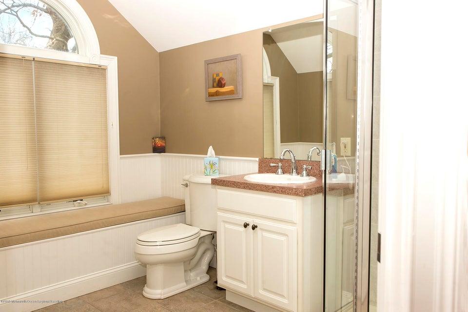 Third Level Full Bathroom