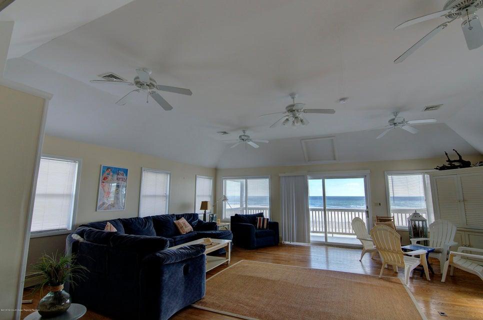 Einfamilienhaus für Mieten beim 255 Boardwalk 255 Boardwalk Point Pleasant Beach, New Jersey 08742 Vereinigte Staaten