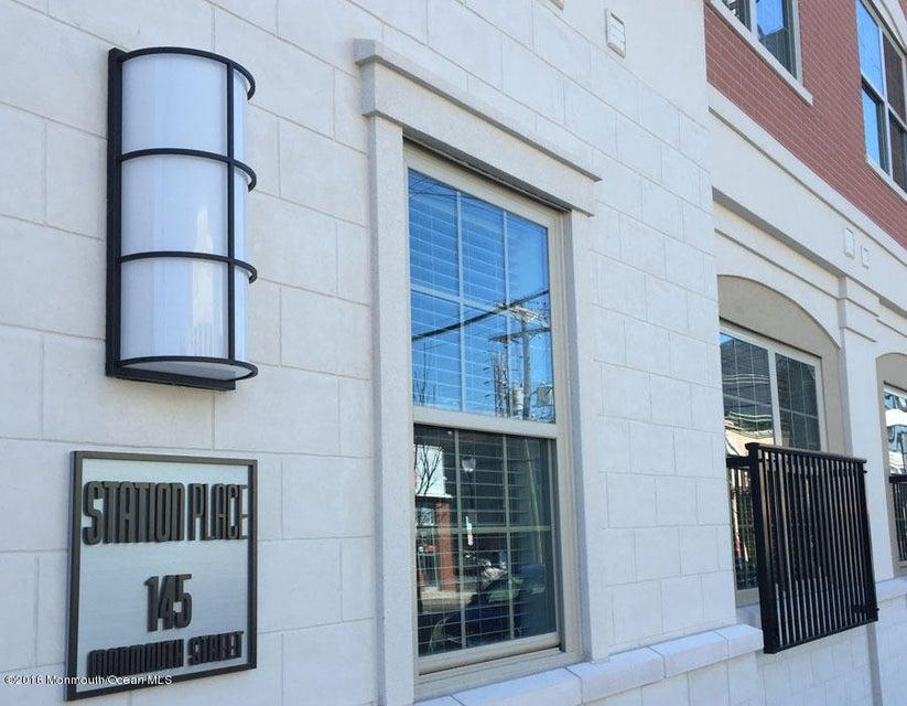 Apartamento para Arrendamento às 145 Monmouth Street 145 Monmouth Street Red Bank, Nova Jersey 07701 Estados Unidos