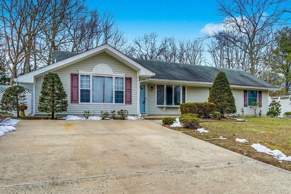 Single Family Home for Rent at 3 Oxford Road 3 Oxford Road Jackson, New Jersey 08527 United States