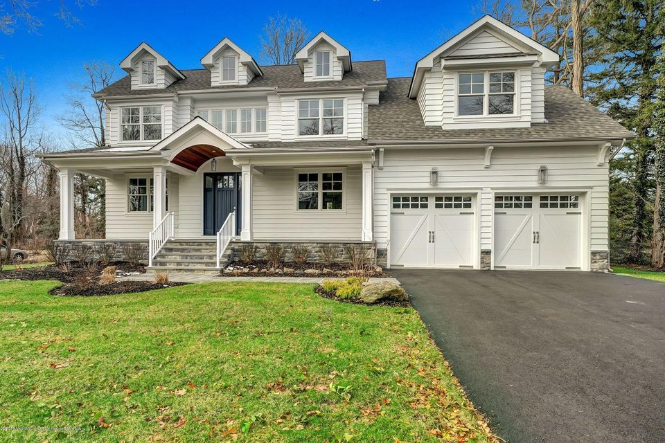 Maison unifamiliale pour l Vente à 120 Lake Avenue 120 Lake Avenue Fair Haven, New Jersey 07704 États-Unis