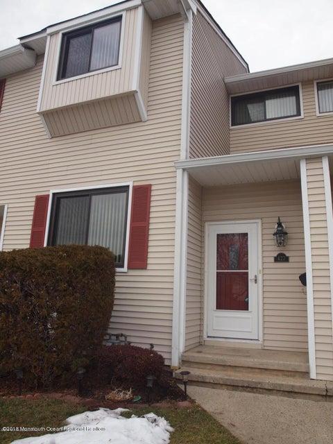 共管式独立产权公寓 为 出租 在 423 Middlewood Road 423 Middlewood Road 米德尔敦, 新泽西州 07748 美国