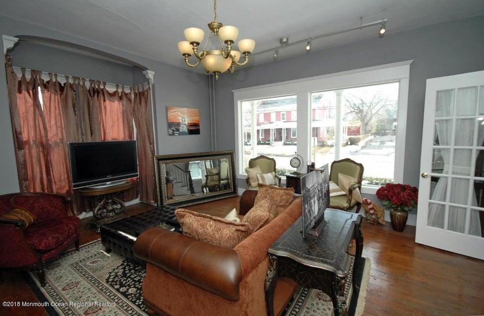 104 W. Main Street Living Room Prof II