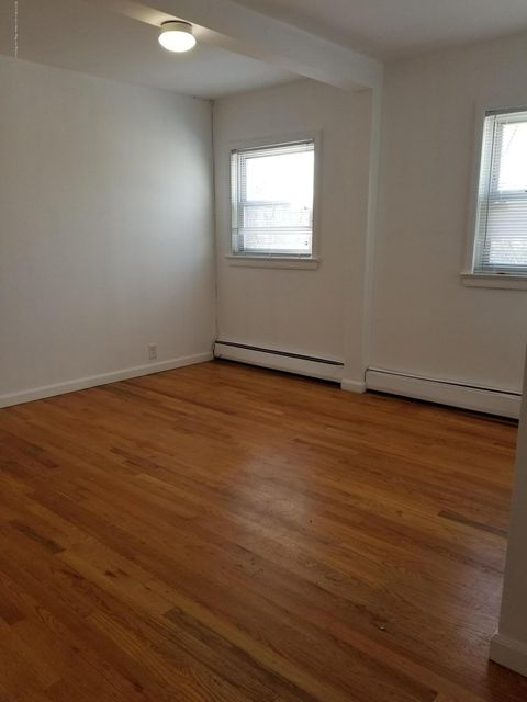Apartamento por un Alquiler en 25 Boud Avenue 25 Boud Avenue Farmingdale, Nueva Jersey 07727 Estados Unidos