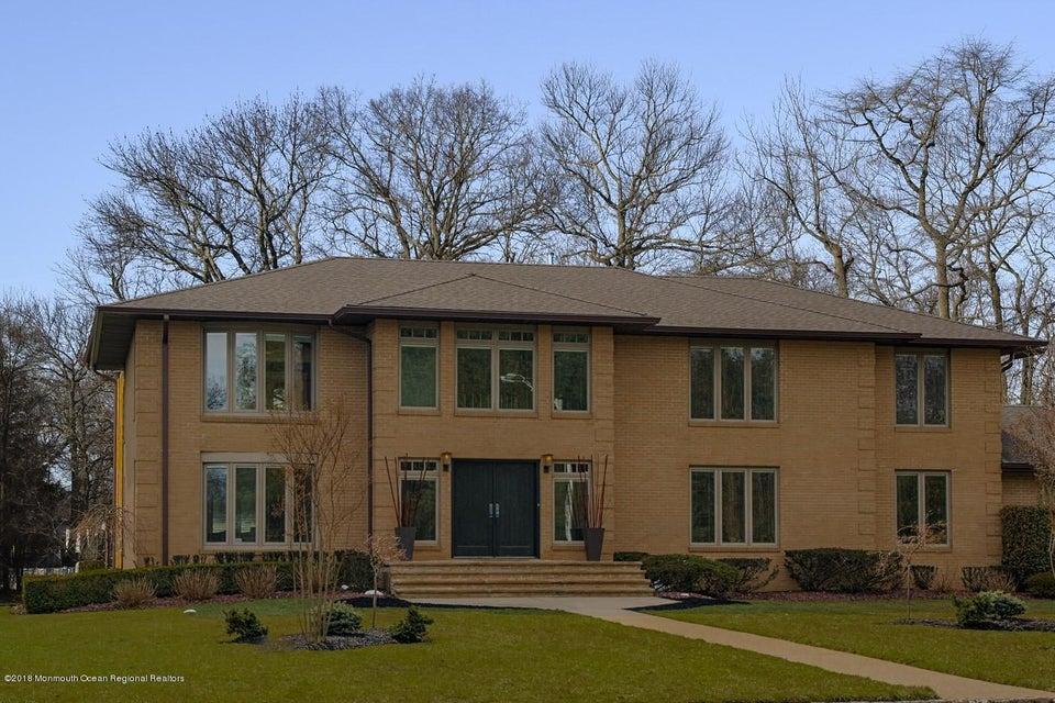 独户住宅 为 销售 在 14 Donna Court 14 Donna Court Ocean Township, 新泽西州 07712 美国