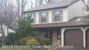 Maison unifamiliale pour l Vente à 28 Barre Drive 28 Barre Drive Howell, New Jersey 07731 États-Unis