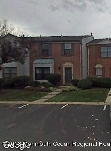 Casa para uma família para Venda às 538 Manchester Court 538 Manchester Court Piscataway, Nova Jersey 08854 Estados Unidos