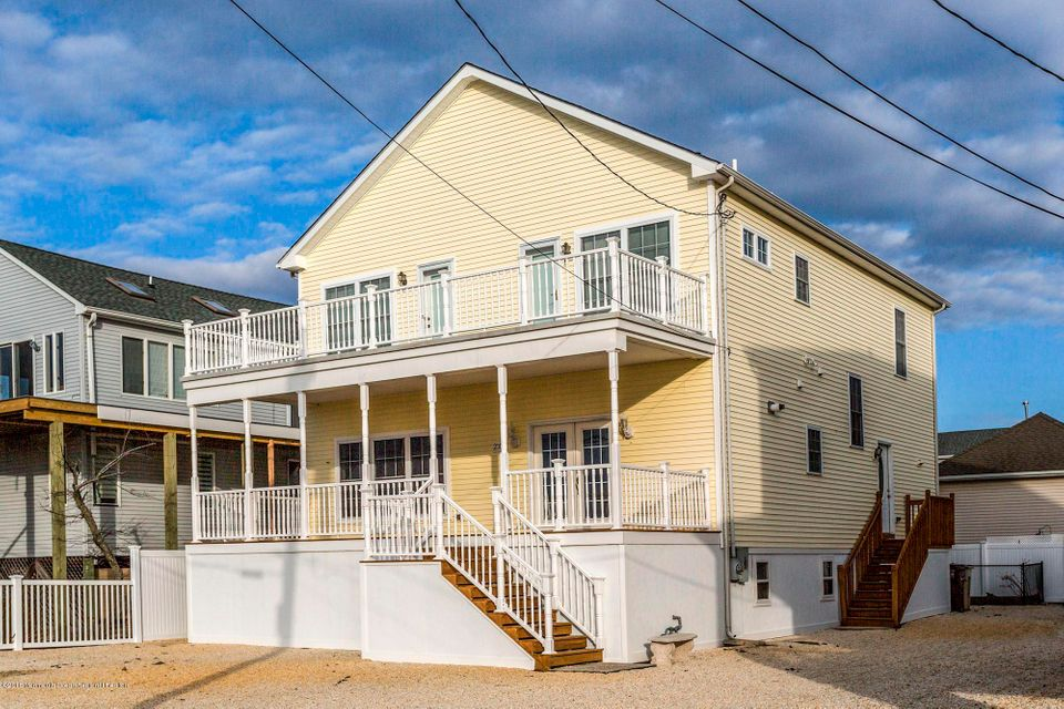 Single Family Home for Rent at 2310 Bayview Avenue 2310 Bayview Avenue Seaside Park, New Jersey 08752 United States