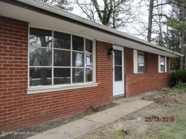 獨棟家庭住宅 為 出售 在 109 Tensaw Drive 109 Tensaw Drive Browns Mills, 新澤西州 08015 美國