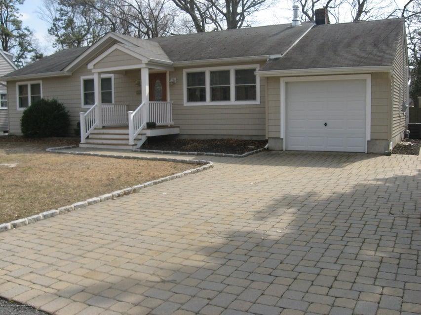 Casa para uma família para Locação às 812 Woodwild Drive 812 Woodwild Drive Point Pleasant, Nova Jersey 08742 Estados Unidos