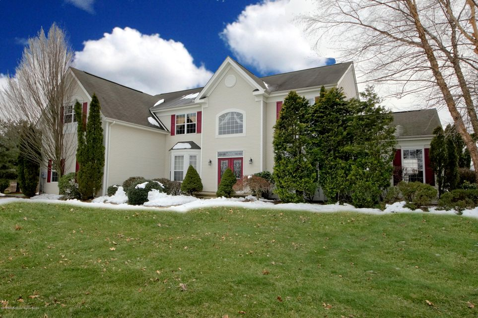 Single Family Home for Sale at 27 Cliffwood Drive 27 Cliffwood Drive Allentown, New Jersey 08501 United States