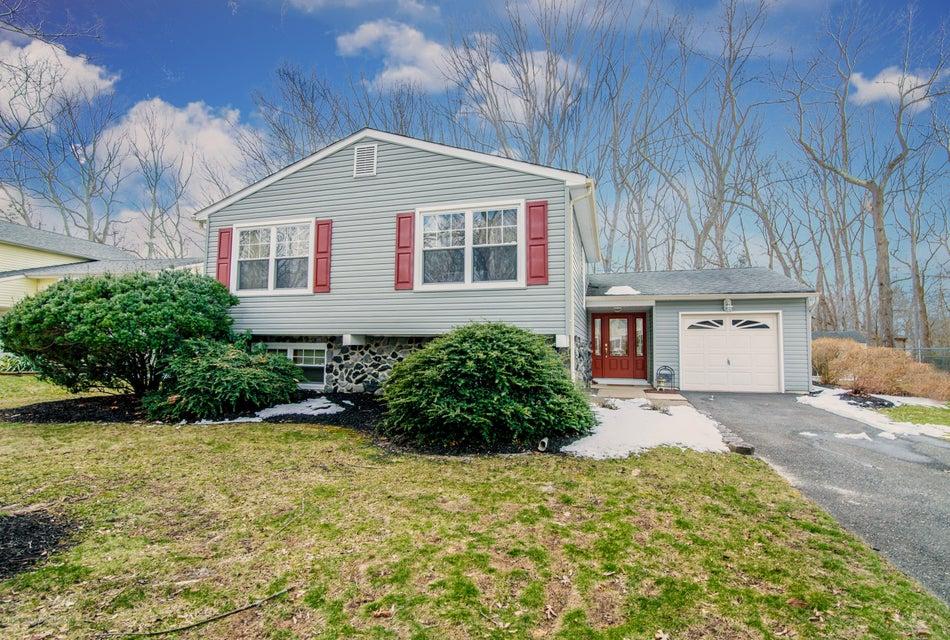 Maison unifamiliale pour l Vente à 24 Deer Hollow Drive 24 Deer Hollow Drive Howell, New Jersey 07731 États-Unis