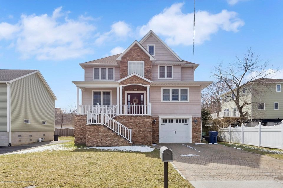 Single Family Home for Sale at 116 Beverly Way 116 Beverly Way Neptune, New Jersey 07753 United States