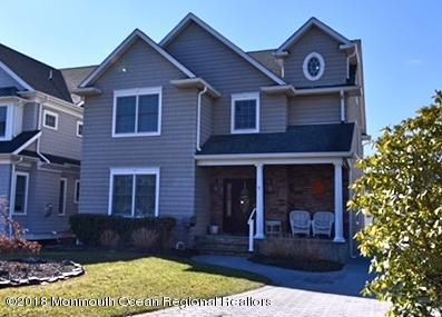 Single Family Home for Sale at 304 Chicago Boulevard 304 Chicago Boulevard Sea Girt, New Jersey 08750 United States