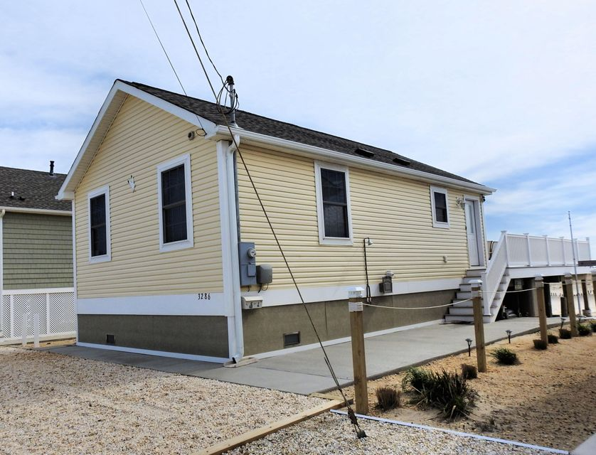 3286  Seaview Road - Picture 3