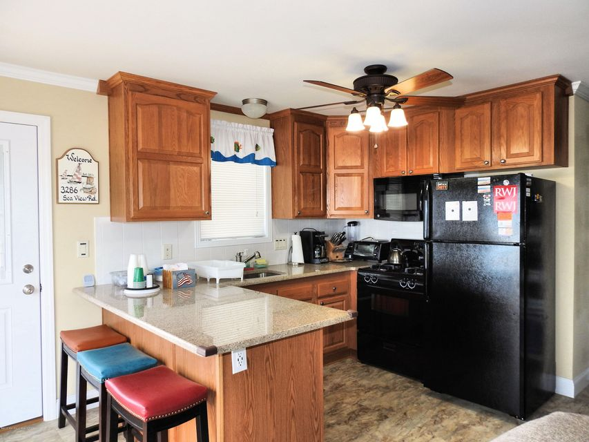 3286  Seaview Road - Picture 10