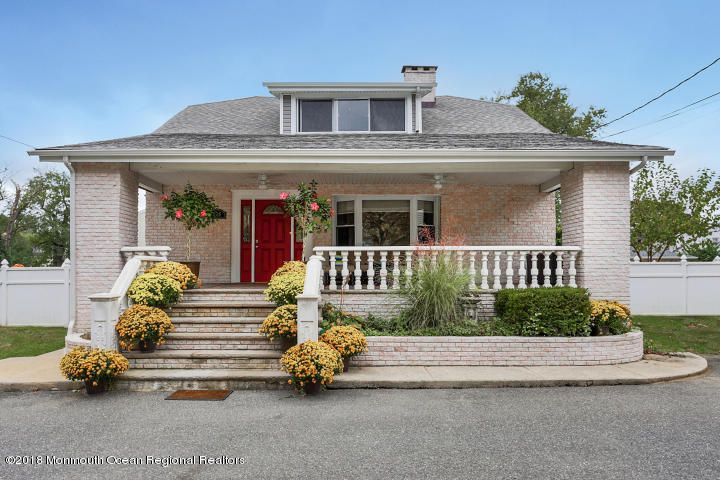 Single Family Home for Sale at 276 Main Street 276 Main Street Keyport, New Jersey 07735 United States
