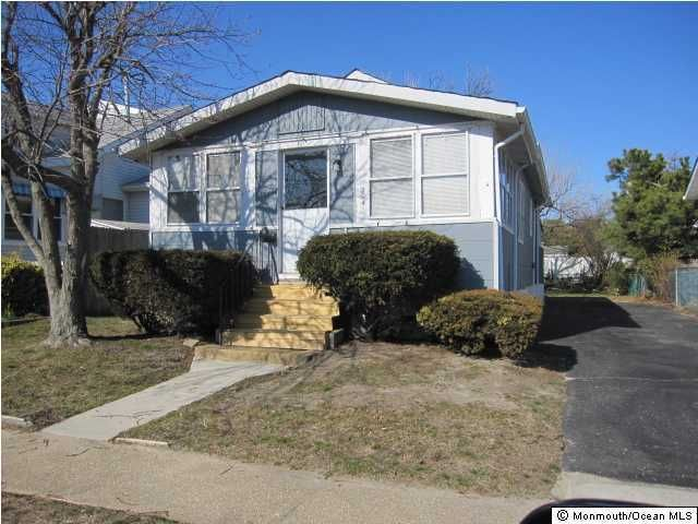 Single Family Home for Rent at 204 19th Avenue 204 19th Avenue Belmar, New Jersey 07719 United States