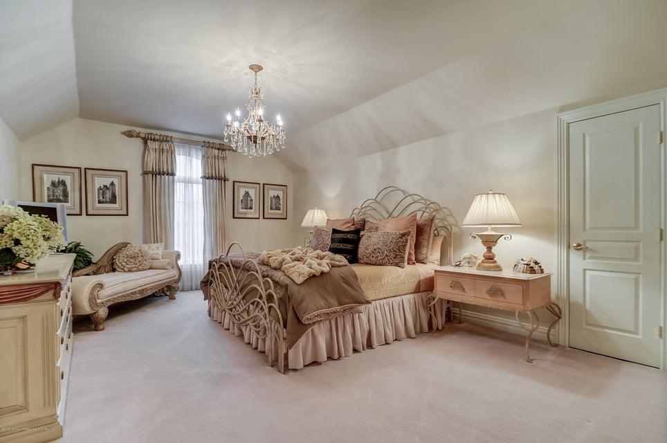 047_Bedroom