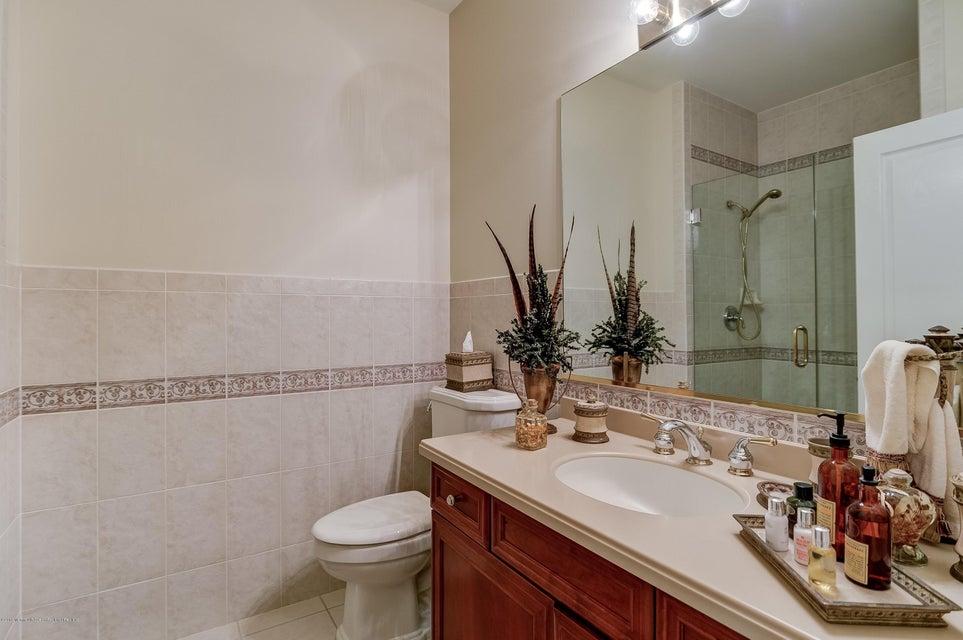 048_Bathroom
