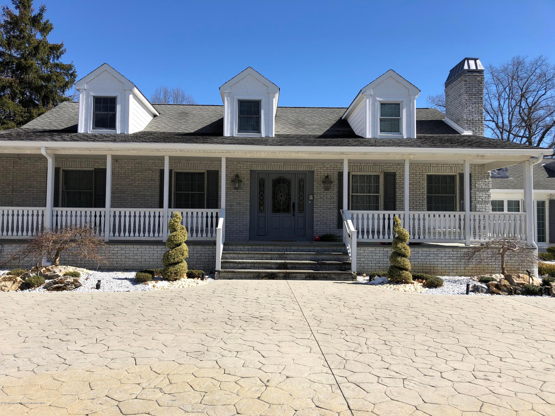Частный односемейный дом для того Продажа на 414 Millstone Road 414 Millstone Road Clarksburg, Нью-Джерси 08510 Соединенные Штаты