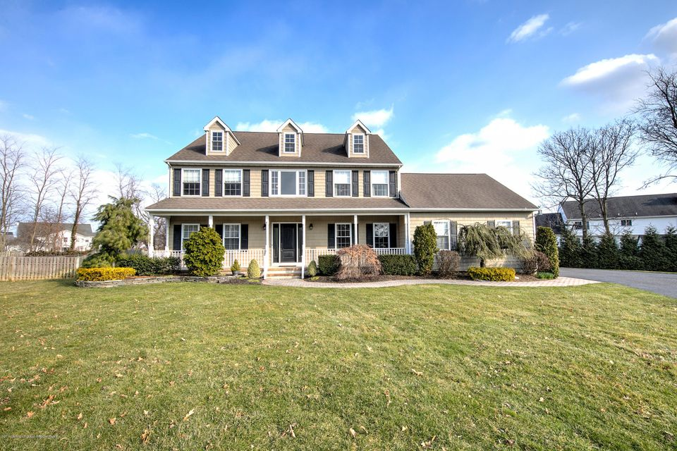 Einfamilienhaus für Verkauf beim 4 Zocco Lane 4 Zocco Lane Oceanport, New Jersey 07757 Vereinigte Staaten