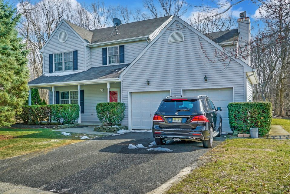 Single Family Home for Sale at 82 Parker Road 82 Parker Road Eatontown, New Jersey 07724 United States