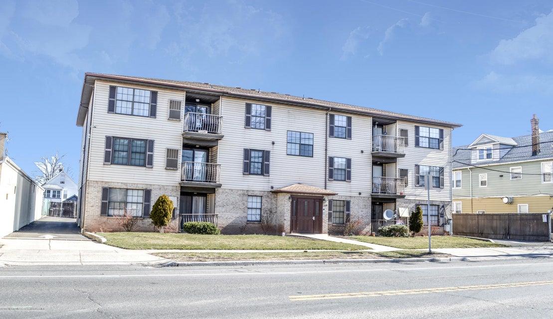 獨棟家庭住宅 為 出售 在 535 Bayway Avenue 535 Bayway Avenue Elizabeth, 新澤西州 07202 美國
