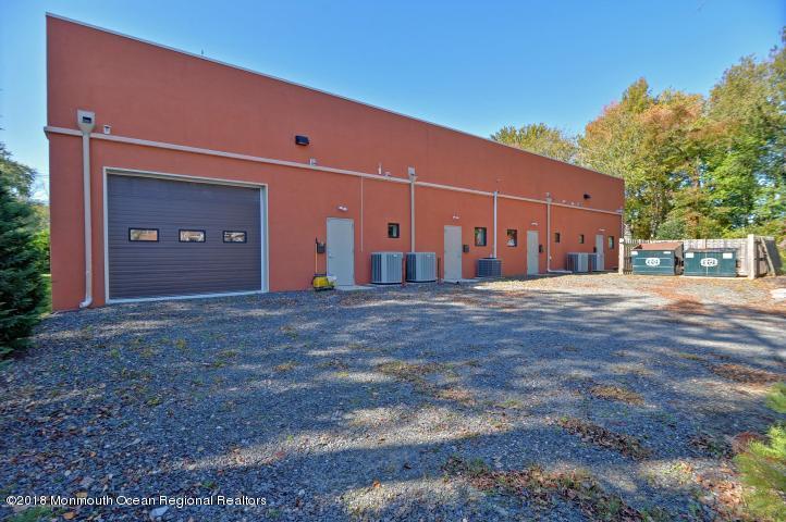 Additional photo for property listing at 1709 Highway 35 1709 Highway 35 Oakhurst, 新澤西州 07755 美國