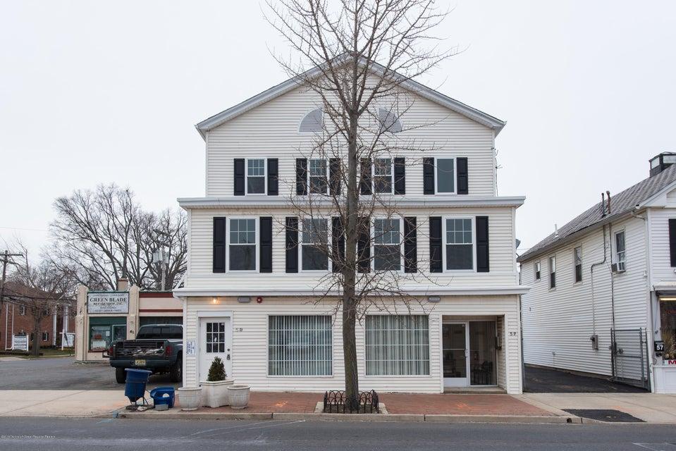 公寓 为 出租 在 59 Throckmorton Street 59 Throckmorton Street Freehold, 新泽西州 07728 美国