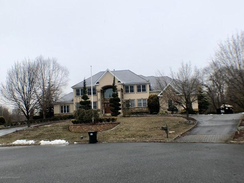 Maison unifamiliale pour l Vente à 2 Sapphire Drive 2 Sapphire Drive Marlboro, New Jersey 07746 États-Unis