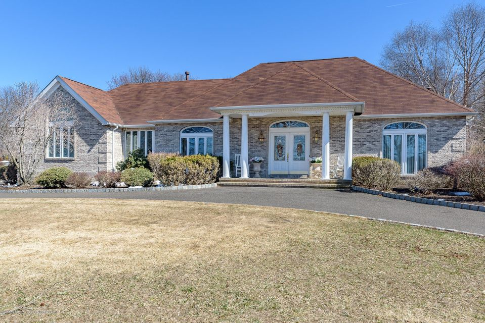 Single Family Home for Sale at 1 Fox Hill Drive 1 Fox Hill Drive Perrineville, New Jersey 08535 United States