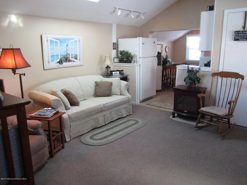 Einfamilienhaus für Mieten beim 115 10th Avenue 115 10th Avenue Spring Lake Heights, New Jersey 07762 Vereinigte Staaten