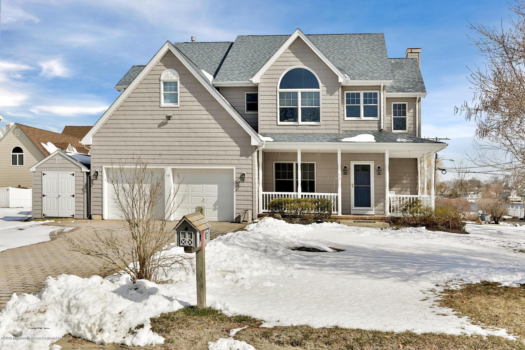 Nhà ở một gia đình vì Bán tại 99 Lakeview Court 99 Lakeview Court Pine Beach, New Jersey 08741 Hoa Kỳ