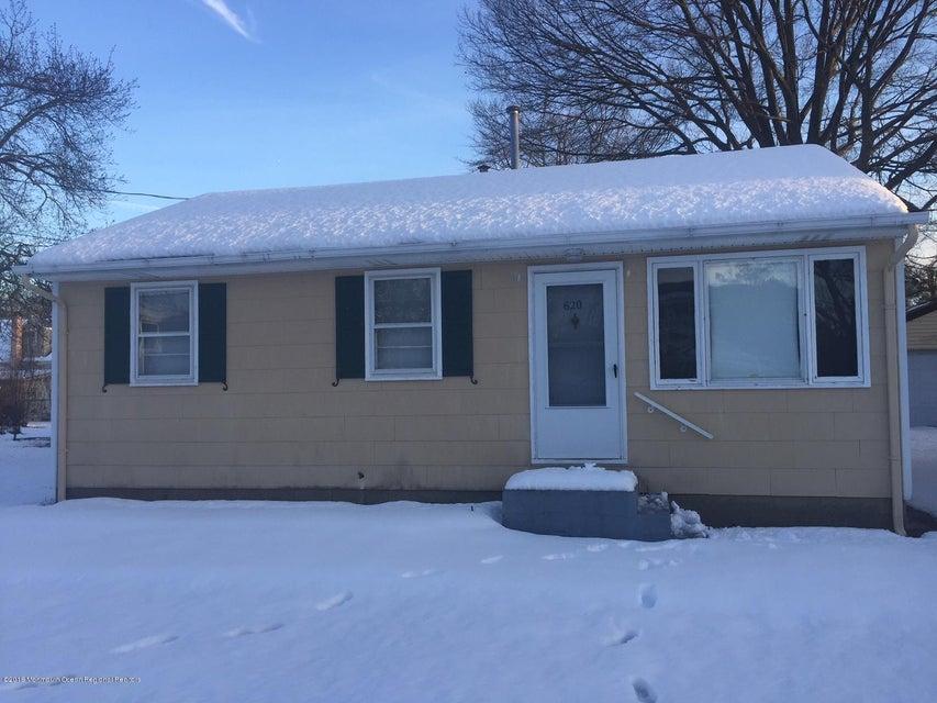 Casa Unifamiliar por un Alquiler en 620 Point Pleasant Avenue 620 Point Pleasant Avenue Ocean Gate, Nueva Jersey 08740 Estados Unidos
