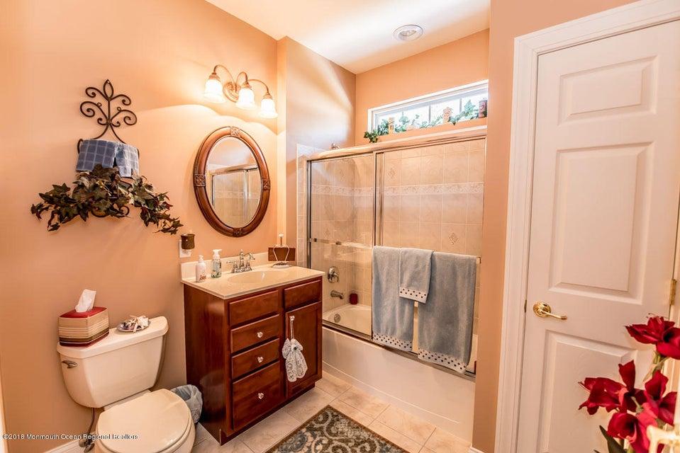 Additional photo for property listing at 36 Winkle Court 36 Winkle Court Manchester, Nova Jersey 08759 Estados Unidos