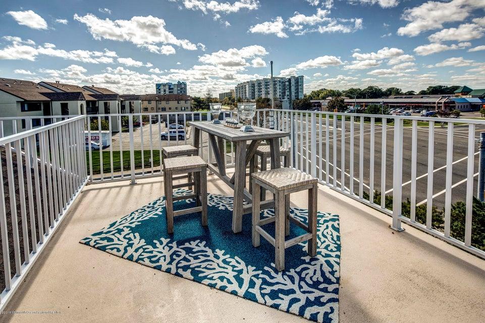 Additional photo for property listing at 49 Avenel Boulevard 49 Avenel Boulevard Long Branch, Nova Jersey 07740 Estados Unidos