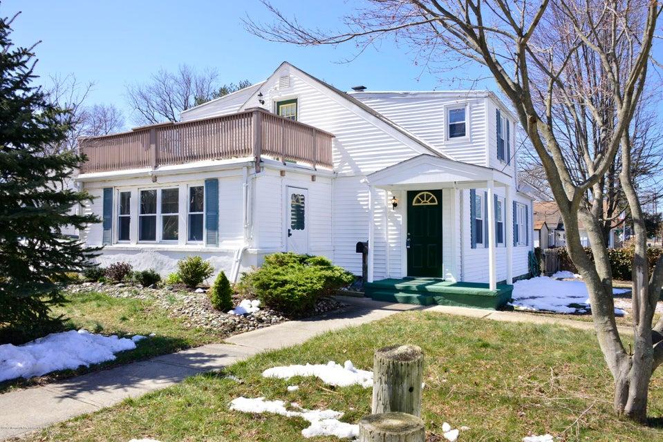Maison unifamiliale pour l Vente à 1201 Curtis Avenue 1201 Curtis Avenue West Belmar, New Jersey 07719 États-Unis