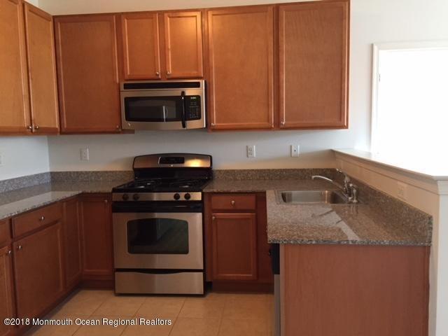 Appartement pour l à louer à 21 Lasatta Avenue 21 Lasatta Avenue Englishtown, New Jersey 07726 États-Unis