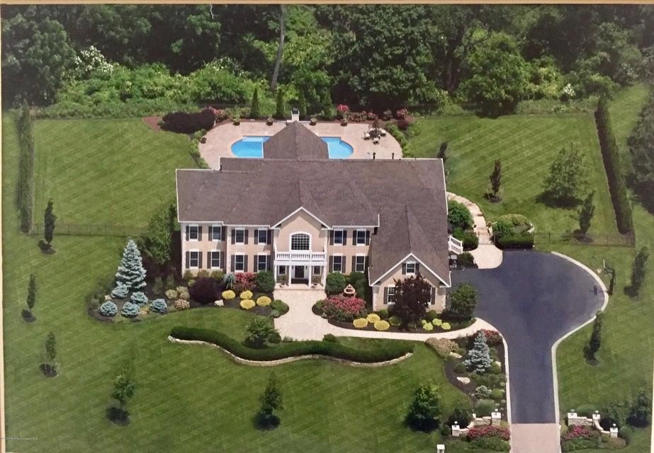 Casa para uma família para Venda às 7 Summer Drive 7 Summer Drive Freehold, Nova Jersey 07728 Estados Unidos